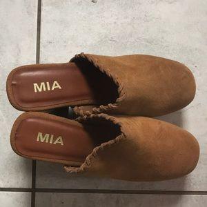 Mia Shoes Shoes - MIA Heeled clogs